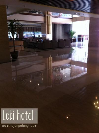 lobi hotel santika premiere gubeng