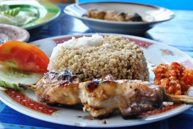 Nasi Tiwul Bu Gandos - Sumber : pinterest.com