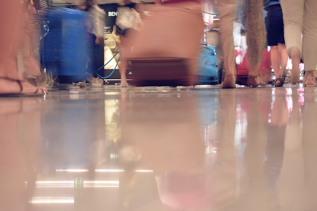 airport-1503332_640